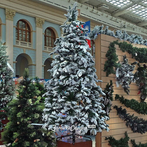 Украшенная искусственная елка фото: http://tatdor.ru/detskaya-kollektziya/ukrashennaya-iskusstvennaya-elka-foto.html